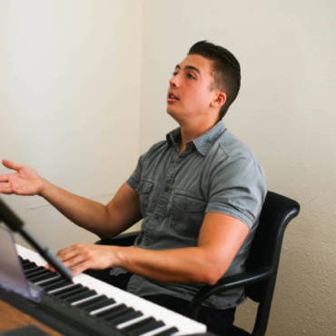 Singing Coach vs. Voice Teacher: What's the Difference?